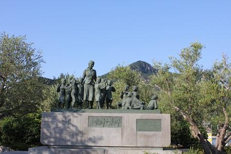 二十四の瞳平和の群像